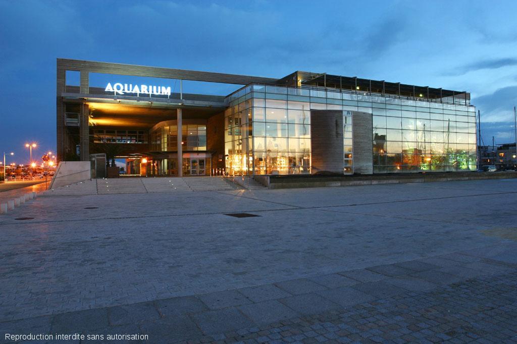 allez visitez l 39 aquarium de la rochelle 17. Black Bedroom Furniture Sets. Home Design Ideas